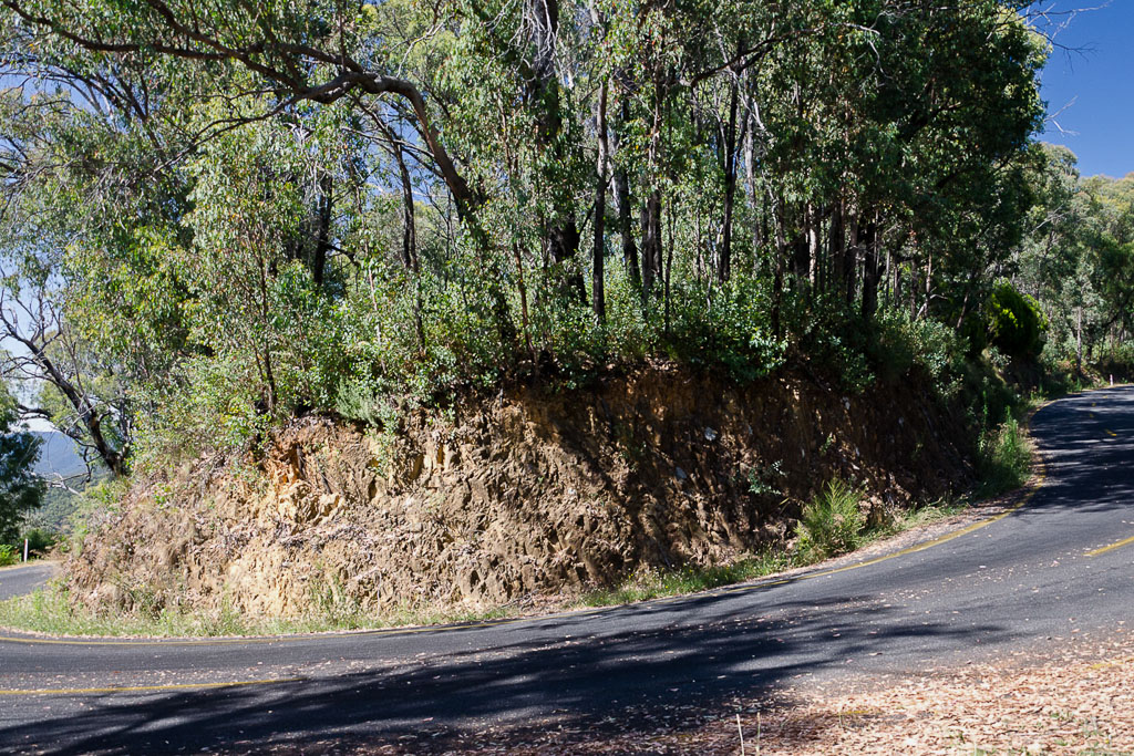 hairpin-bend-Mt-Buffalo-Road