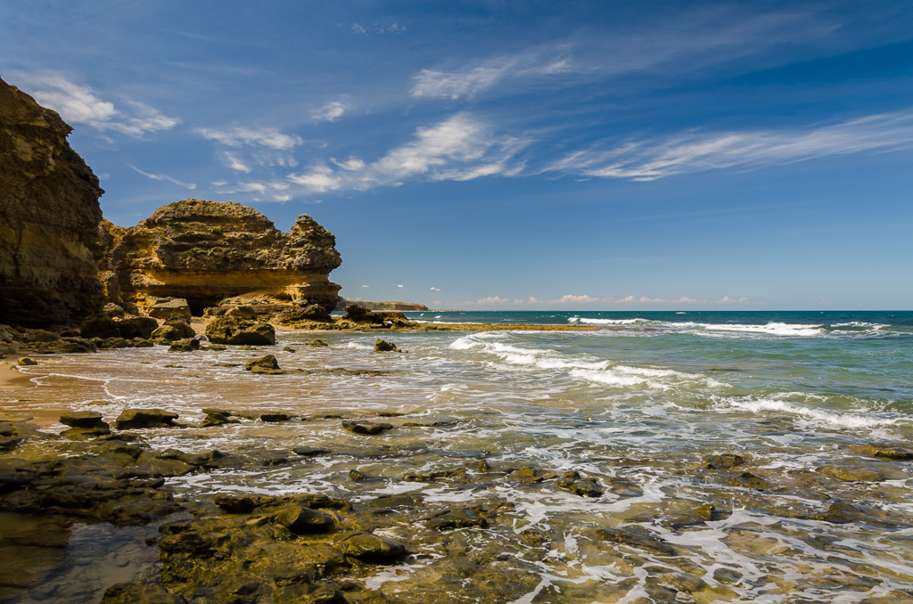ocean-at-point-addis-cliff-surf-coast