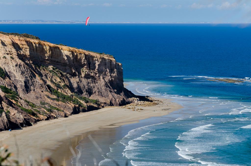 paraglider-over-addiscott-beach