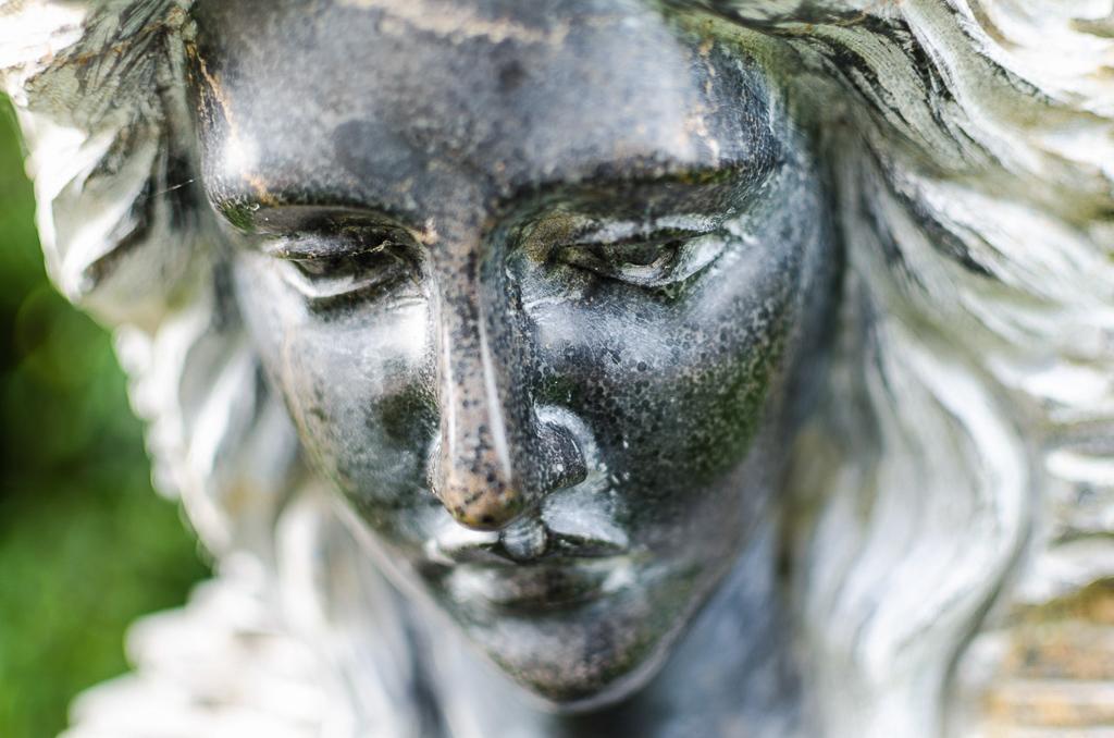 statue-woman-mount-dandenong