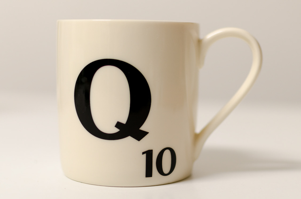 scrabble-mug-letter-q