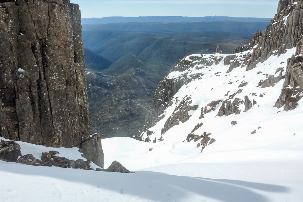 snow-in-gully-cradle-mountain-summit