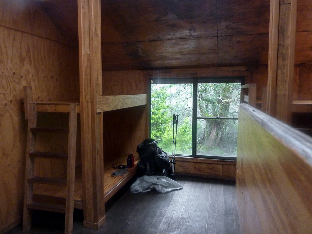 sleeping-area-windermere-hut