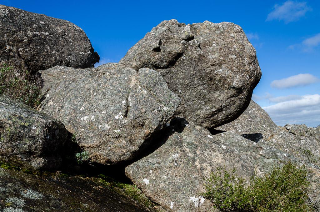 granite-boulders-langi-ghiran