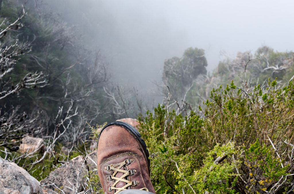boot-above-cliff-on-major-mitchell-plateau-track