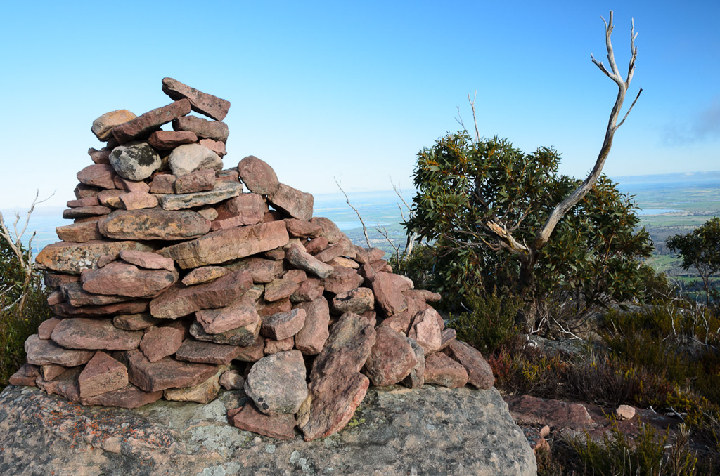 durd-durd-summit-cairn