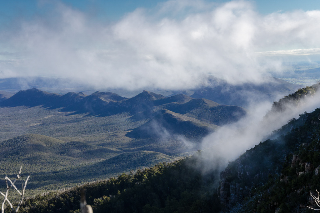 mount-william-range-under-cloud
