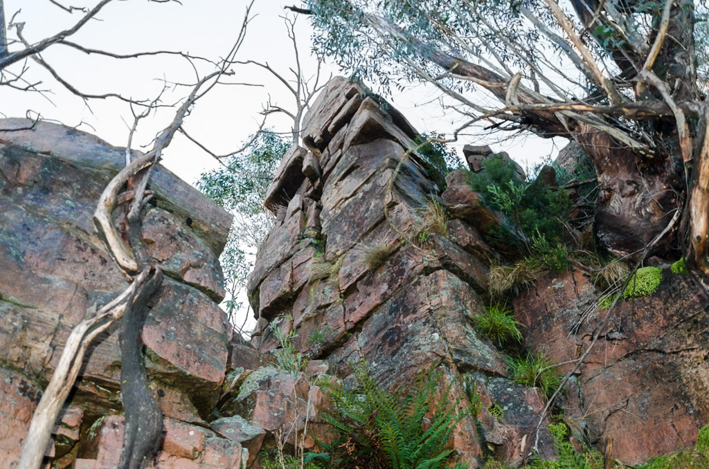 rocks-on-banksia-hill-descent