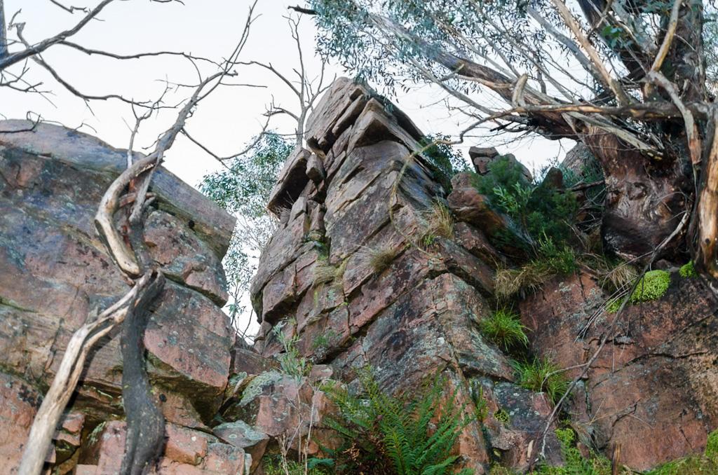 rocks-on-banksia-hill-descent