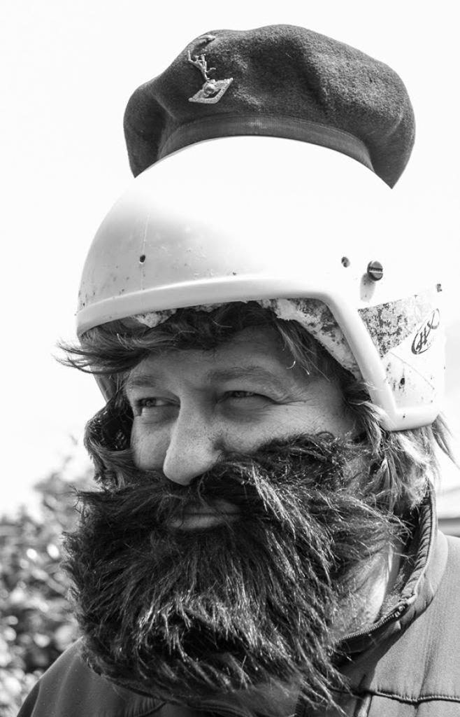 che-helmet