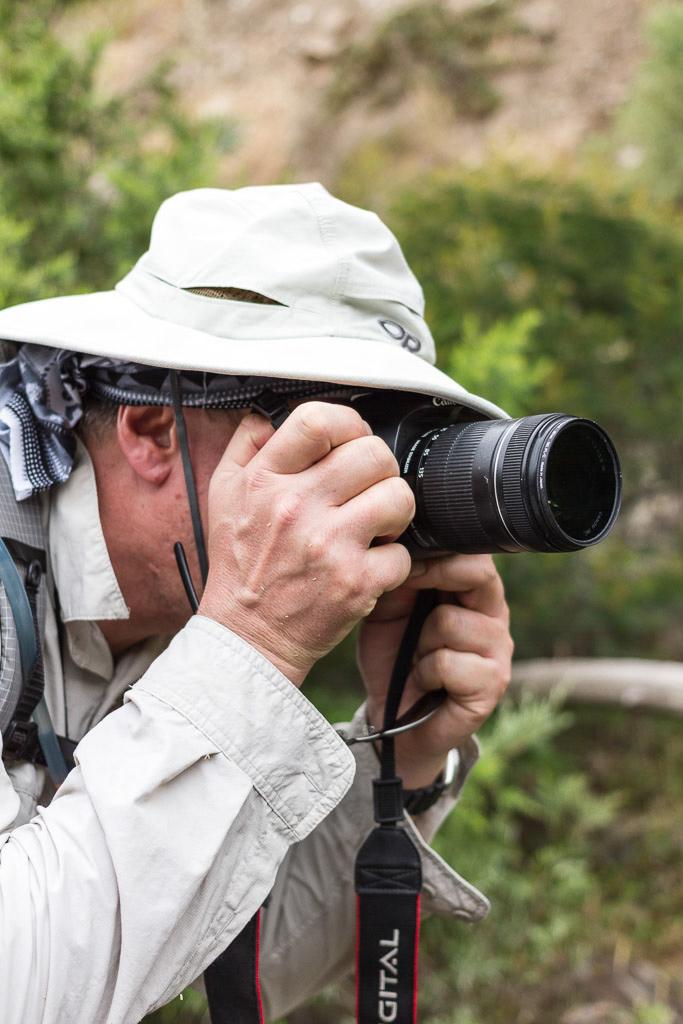 hiking-fiasco-taking-photos