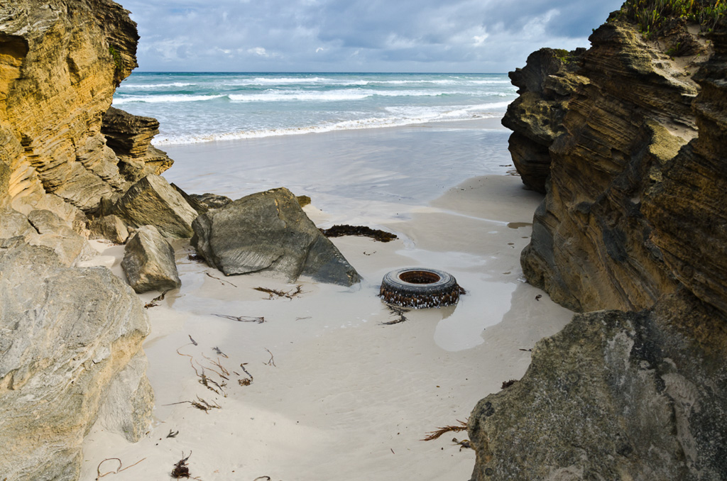 car-tyre-on-beach