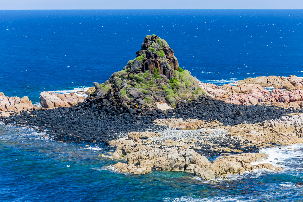 pyramid-rock-phillip-island