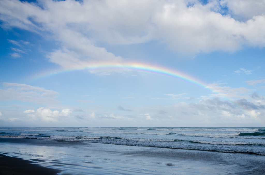 rainbow-above-ocean