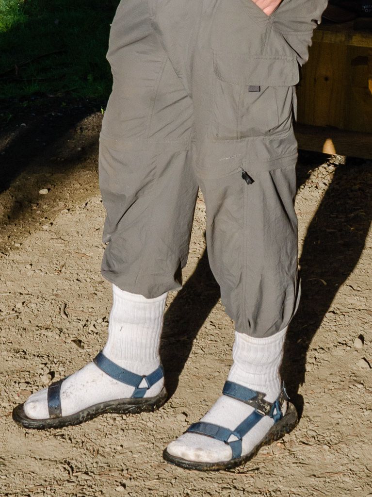 sandals-with-white-socks