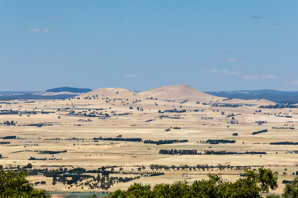 view-of-dry-fields-mount-beckworth