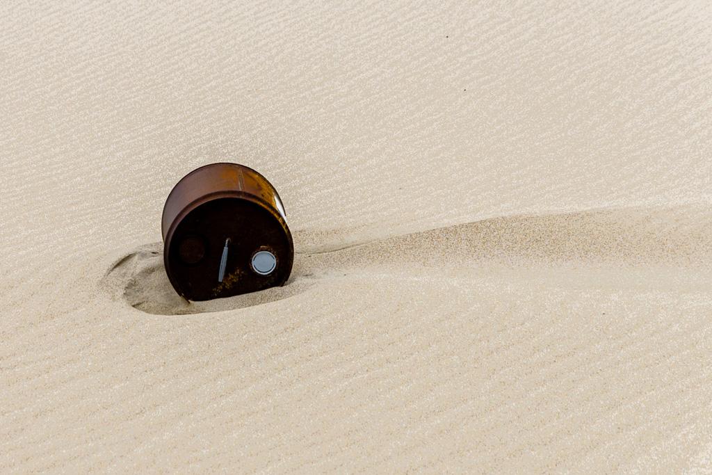 barrel-on-beach
