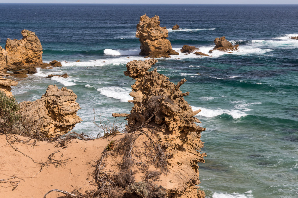 cliffs-near-arch-cape-liptrap-coastal-park