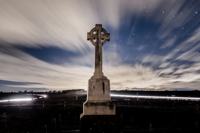 grave-stone-night