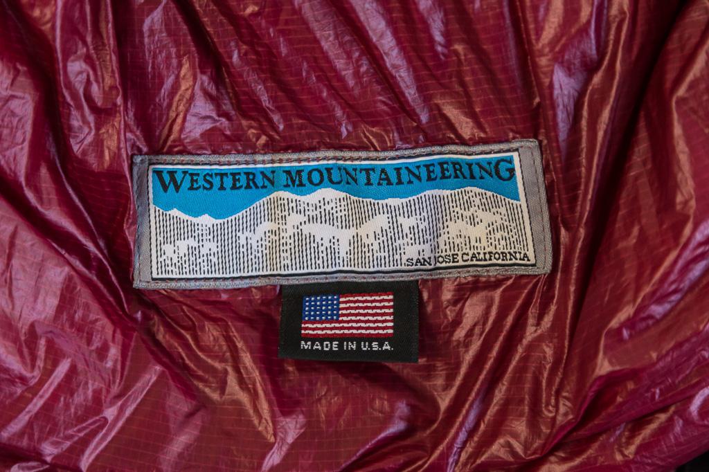 western-mountaineering-alpinlite-sleeping-bag_