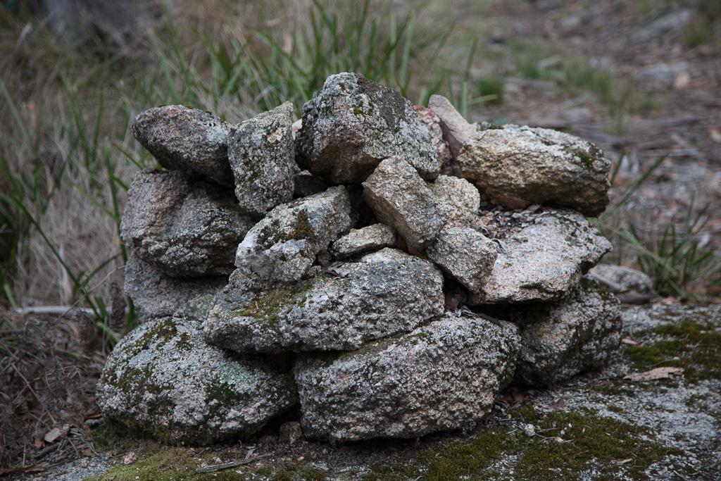 cairn-mount-sugarloaf-beeripmo-walk