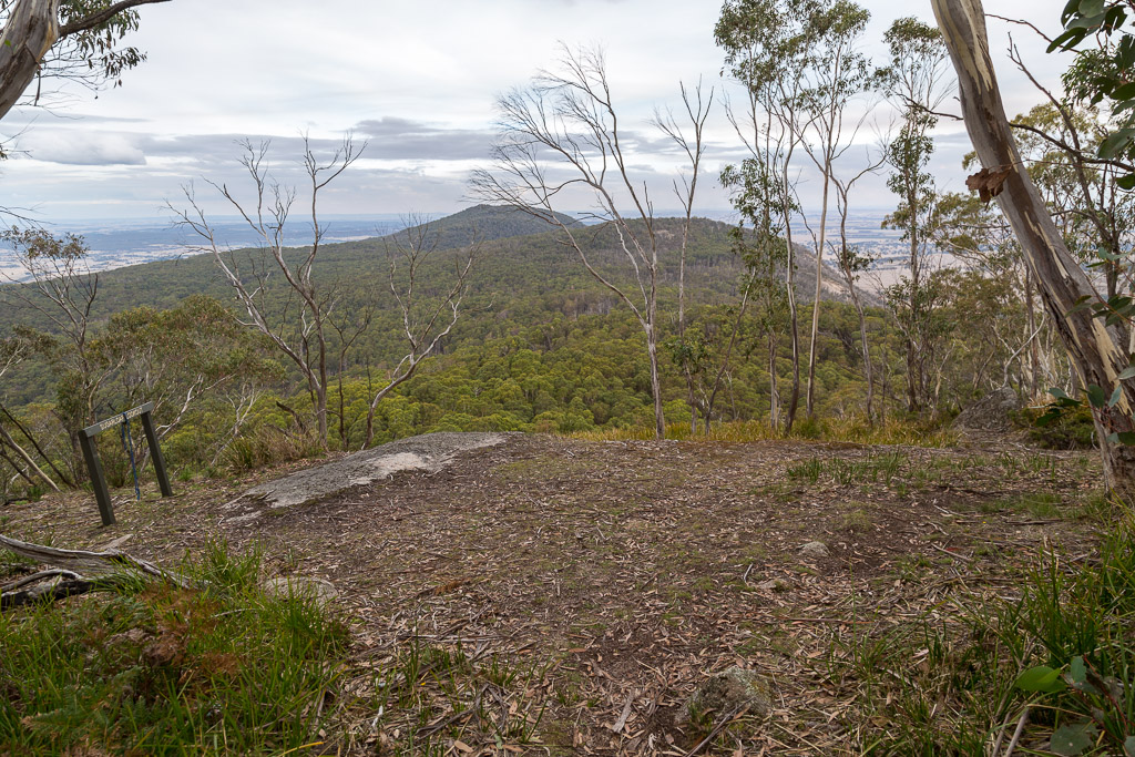mount-sugarloaf-lookout-beeripmo-walk