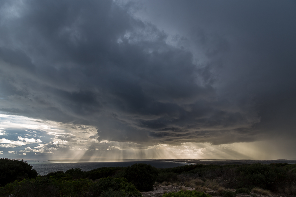 storm-cloud-across-phillip-island