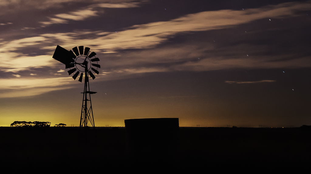 windmill-at-night