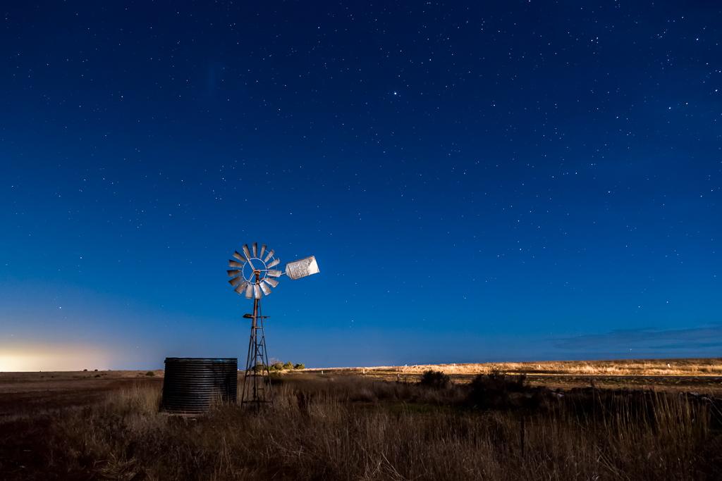 windmill-night-balliang
