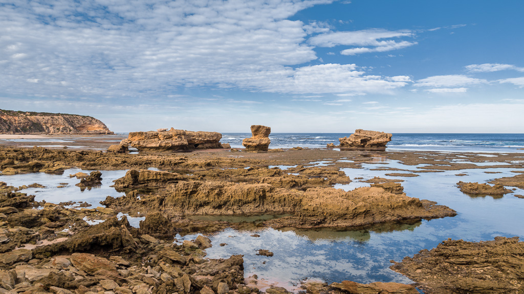 rocks-on-cheviot-beach-point-nepean