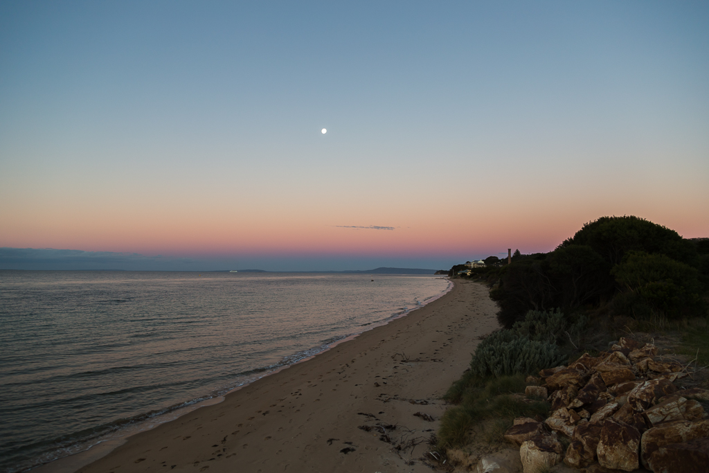 sunset-beach-moon-rising-point-nepean