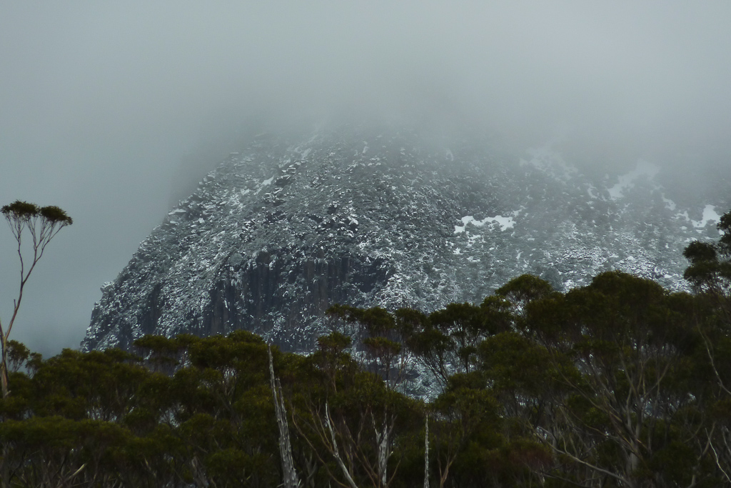 mount-in-cloud-overland-track