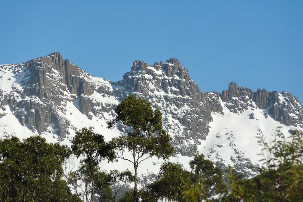 snow-on-ducane-range-tasmania