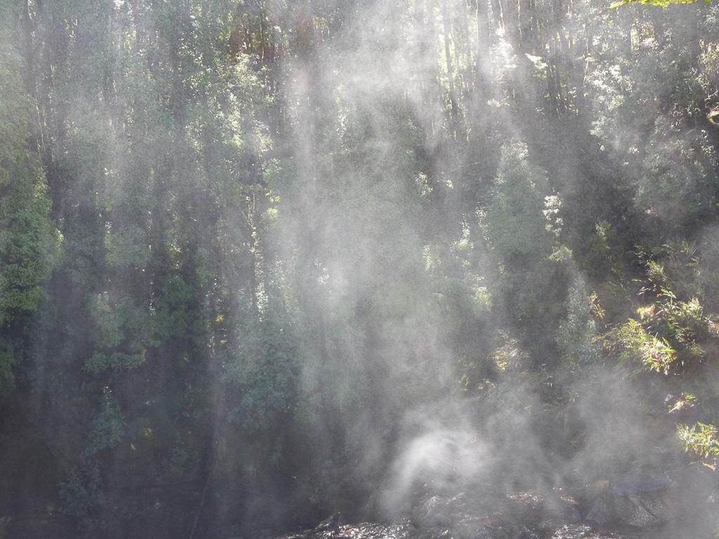 spray-from-waterfall-overland-track-tasmania