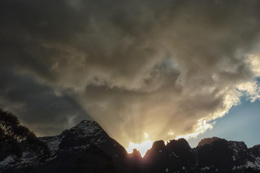 sunset-ducane-range-overland-track