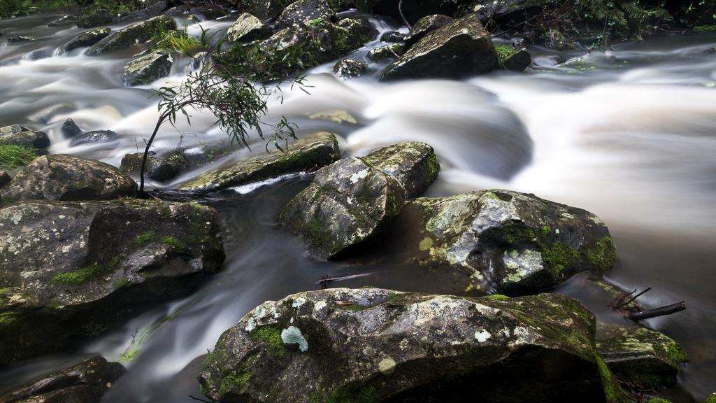 water-amongst-rocks-below-phantom-falls