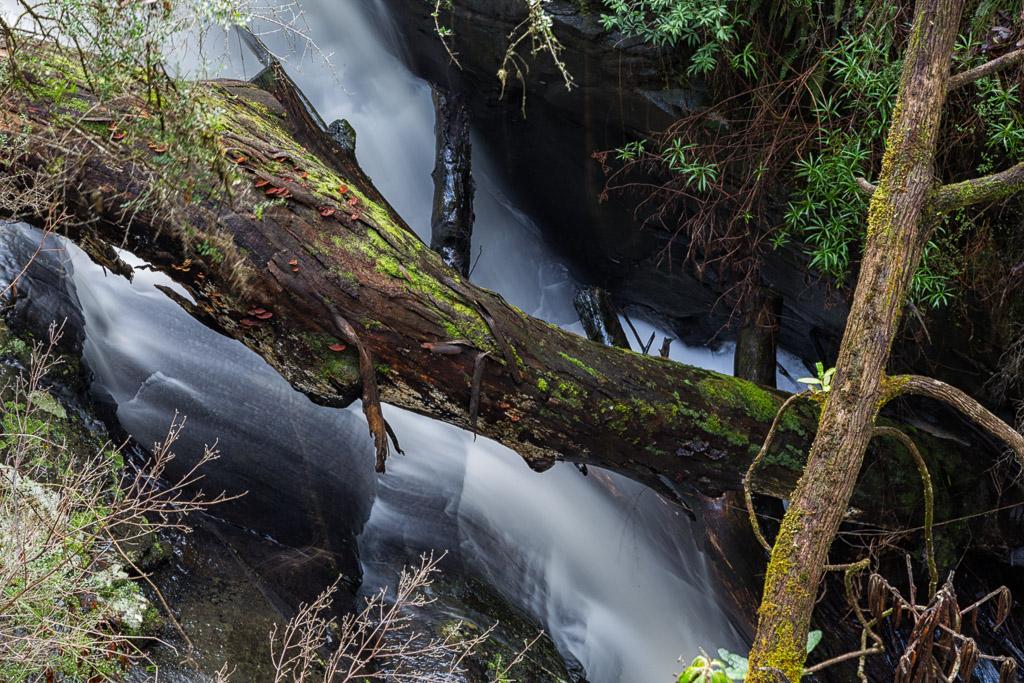 water-over-rocks-won-wondah-falls