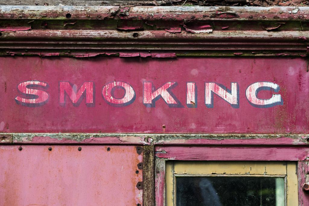 red-rattler-smoking-carriage-train-lohs-lane