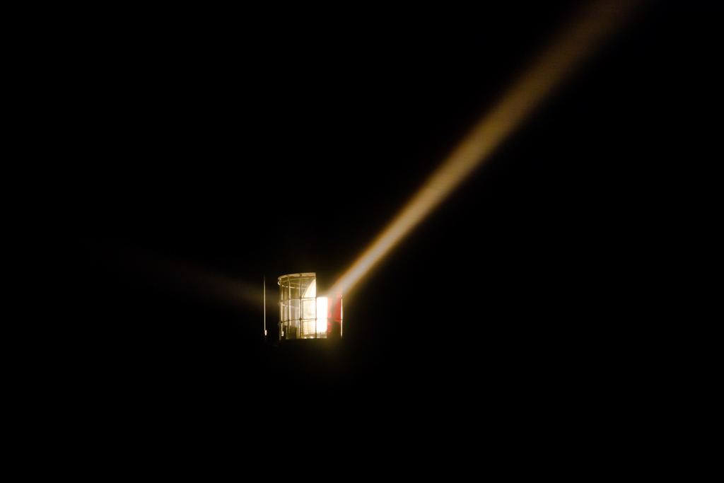 cape-schanck-lighthouse-light-beam-night