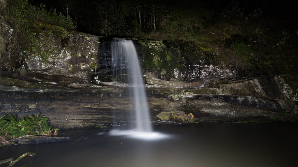 lower-kalimna-falls-at-night