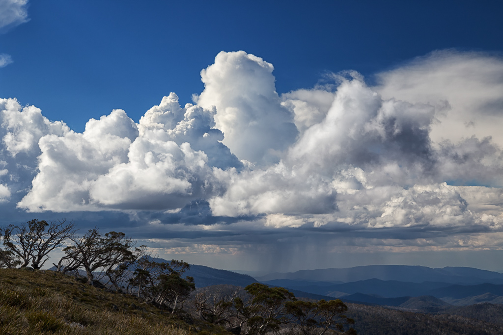 rain-clouds-alpine-national-park