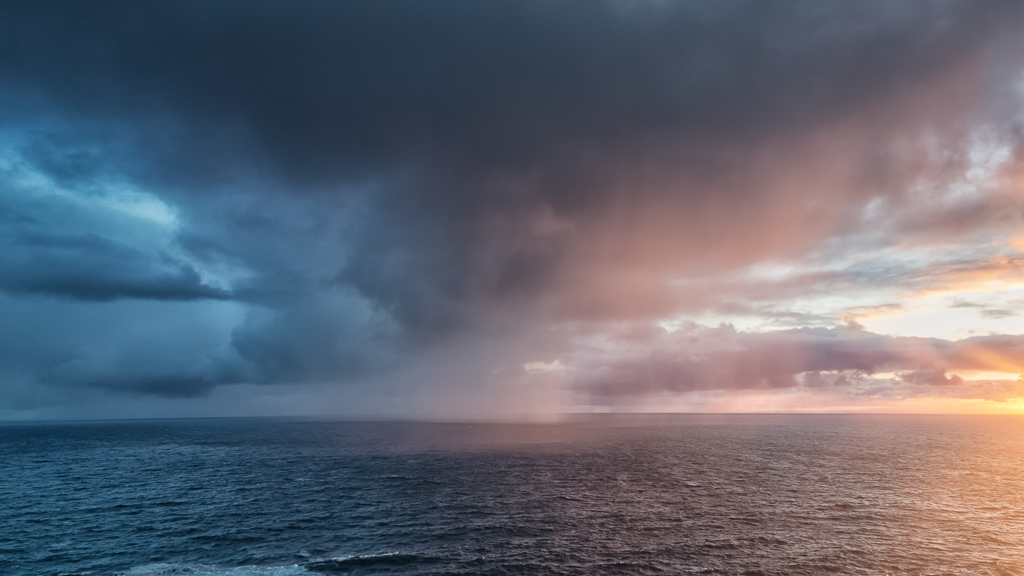 rain-over-ocean-cape-schanck