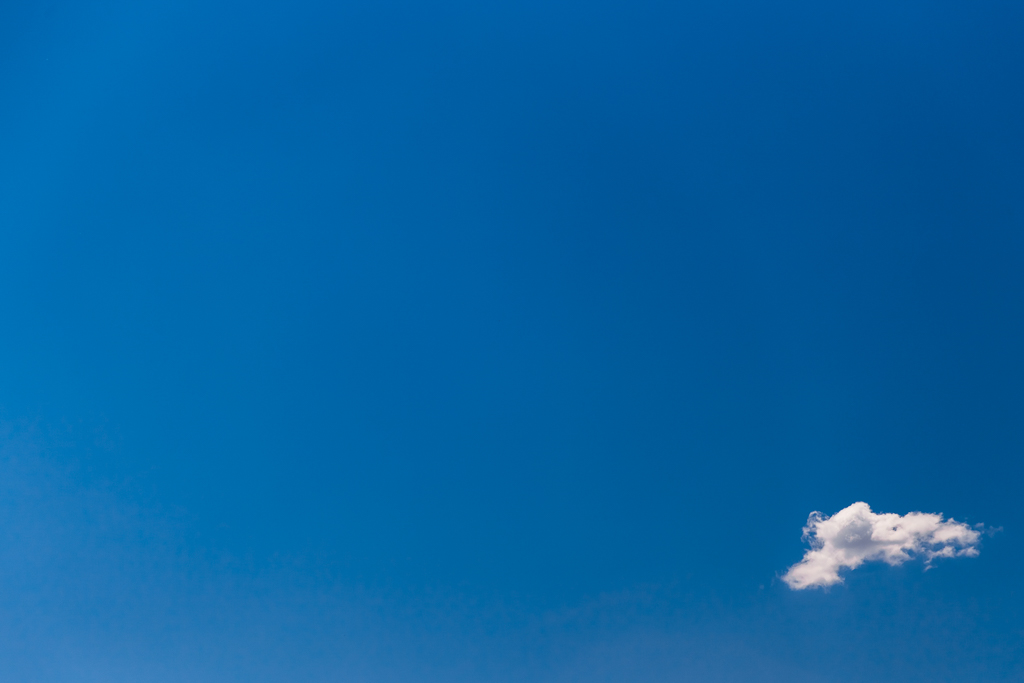 blue-sky-one-cloud