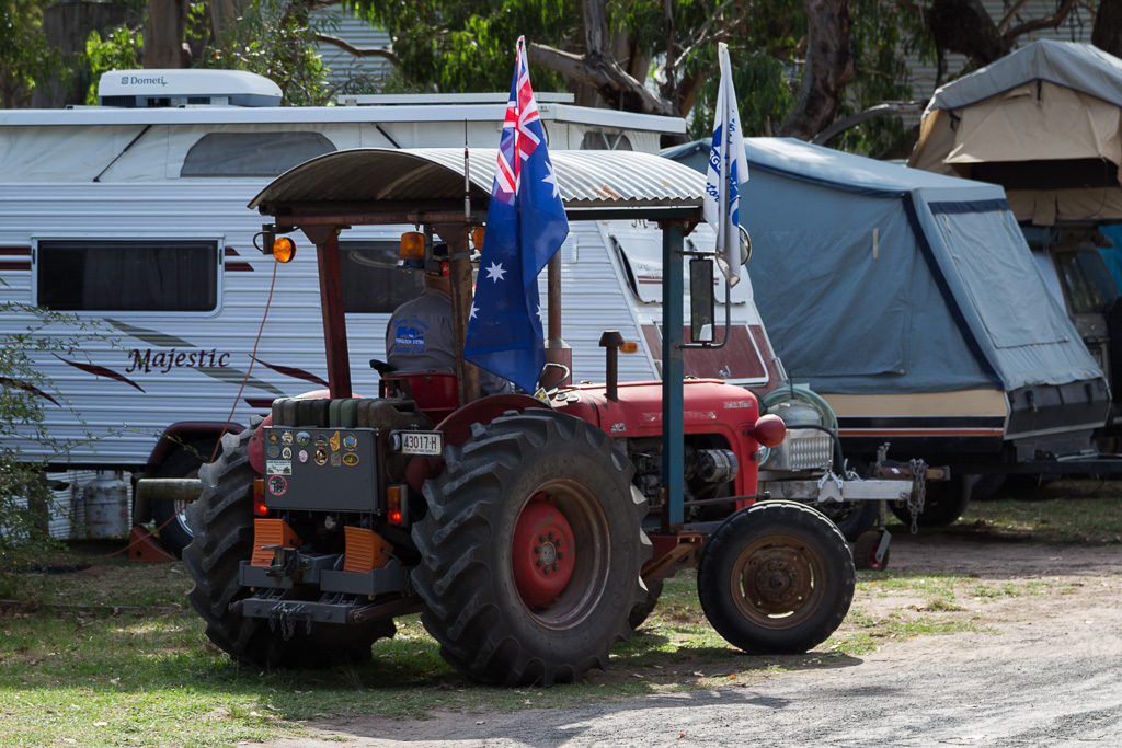 tractor-with-australian-flag