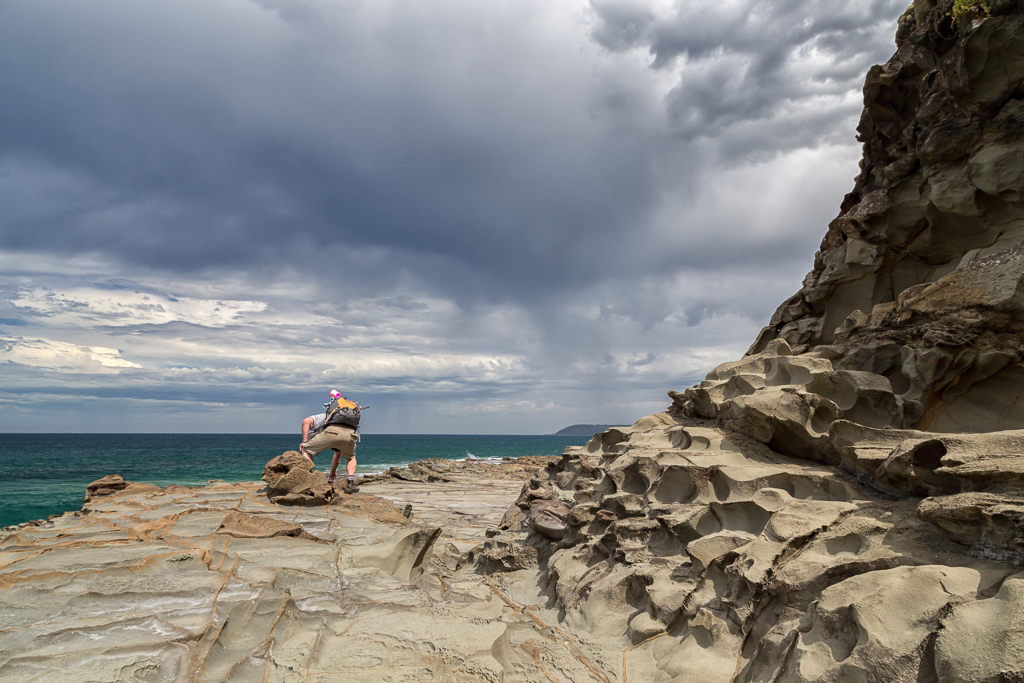 rock-shelf-under-dark-cloud-great-ocean-walk