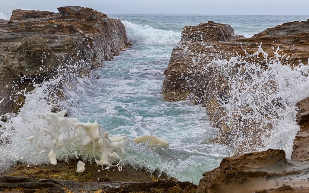 waves-breaking-cape-otway
