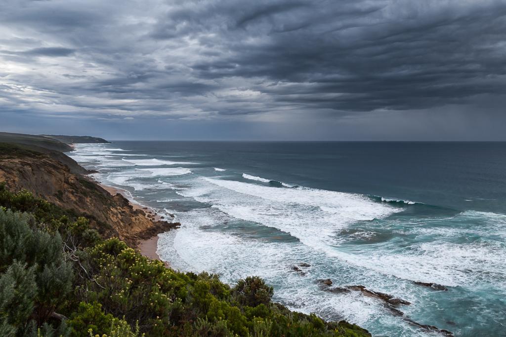 dark-clouds-over-coast-great-ocean-walk