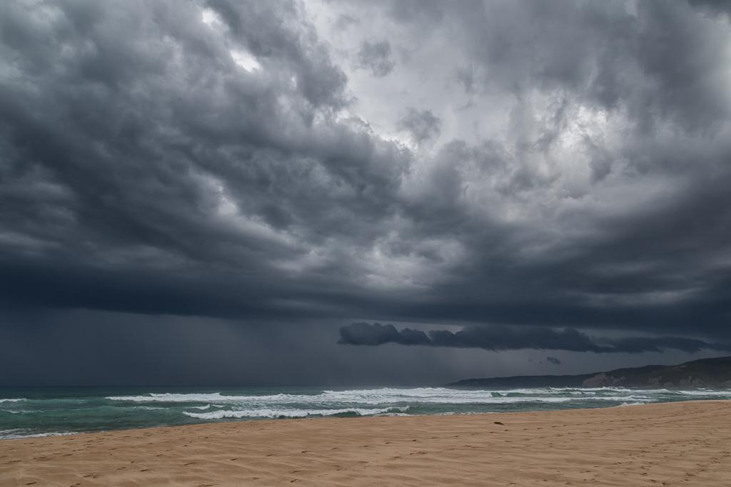 johanna-beach-under-rain-clouds