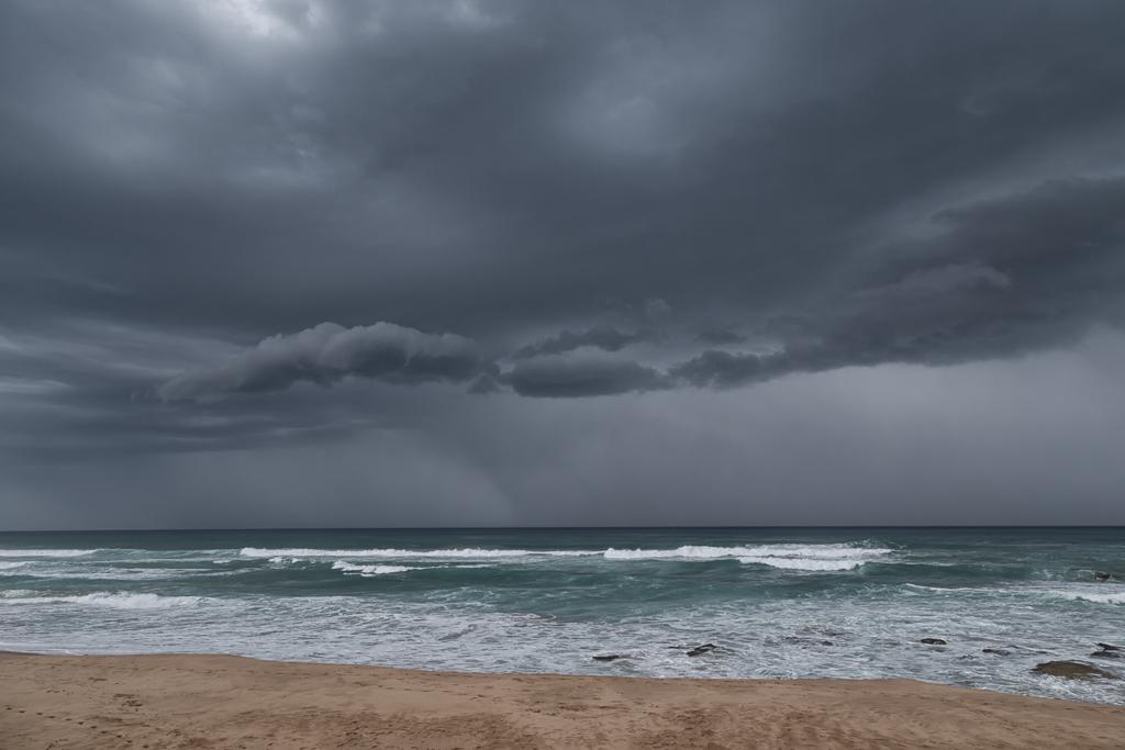 storm-cloud-over-ocean-johanna-beach