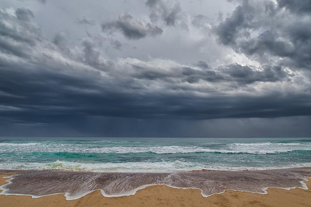 storm-over-johanna-beach